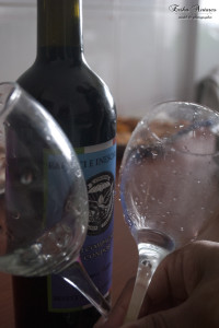Vino rosso e calici